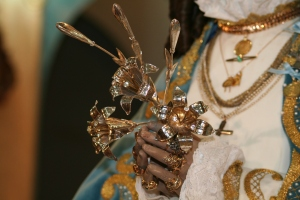 Manos de la Virgen