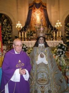 Besamanos a la Virgen